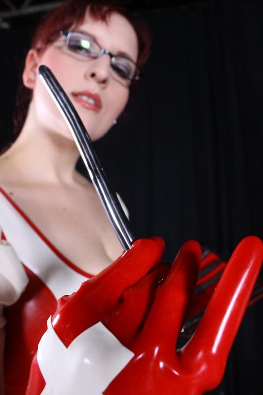latex klinik nylonkittel fetisch