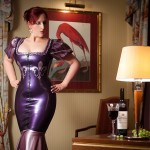 Latex Mistress in your hotel room - Domina Miss Leonie Fetish Escort